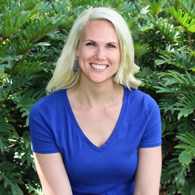 Holly Reslier, BA